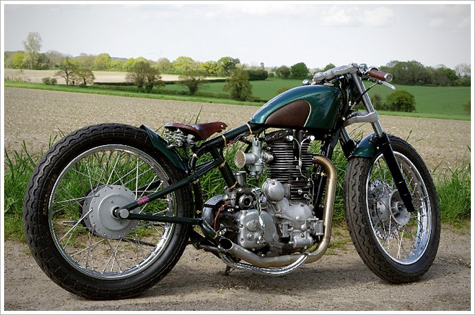 """Old Empire Motorcycle's """"Pup""""Bobber"""