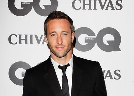 Alex O'Loughlin / Hawaii 5-0