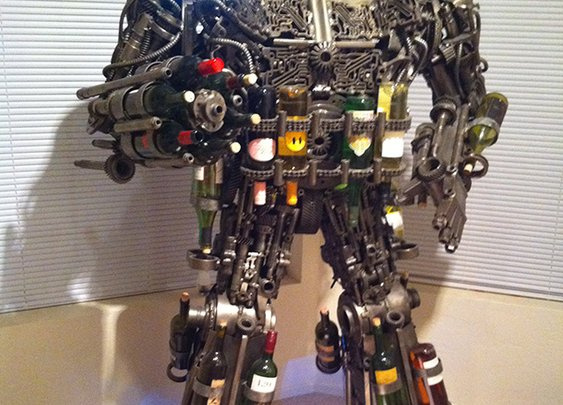 1,000-pound robot wine rack ready to terrorize the tipsy | Crave - CNET