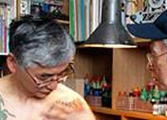 Horihide still practices the dying art of hand tattoo - latimes.com