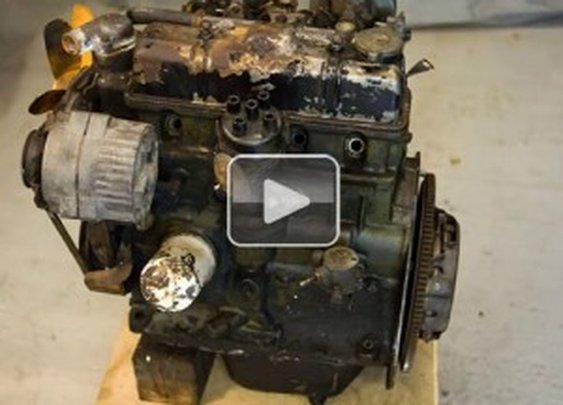 Rebuilding an engine in 2 minutes and 20 seconds (Video)