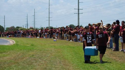 Texas A&M; Students Form Human Wall To Block Westboro Baptist Church Protestors From Soldier Roy Tisdale's Funeral (PHOTOS)