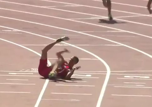 Runner Breaks His Leg During 100-Meter Sprint - Mandatory
