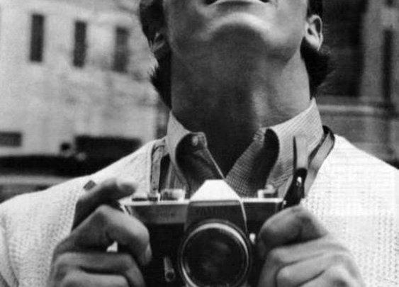 Celebrities with vintage cameras, 1950s-1970s | Retronaut