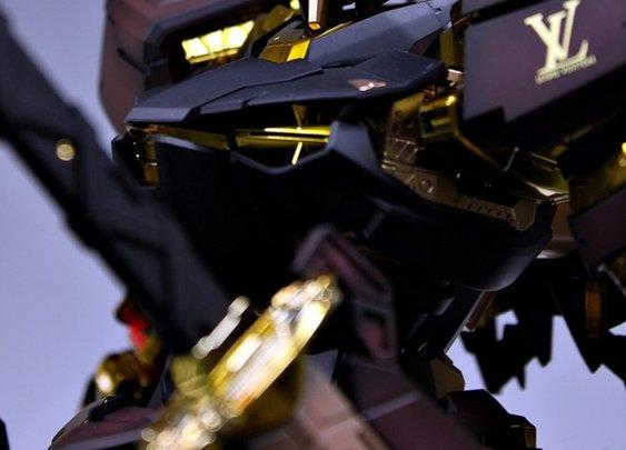 Awesome Robo!: Louis Vuitton X Gundam