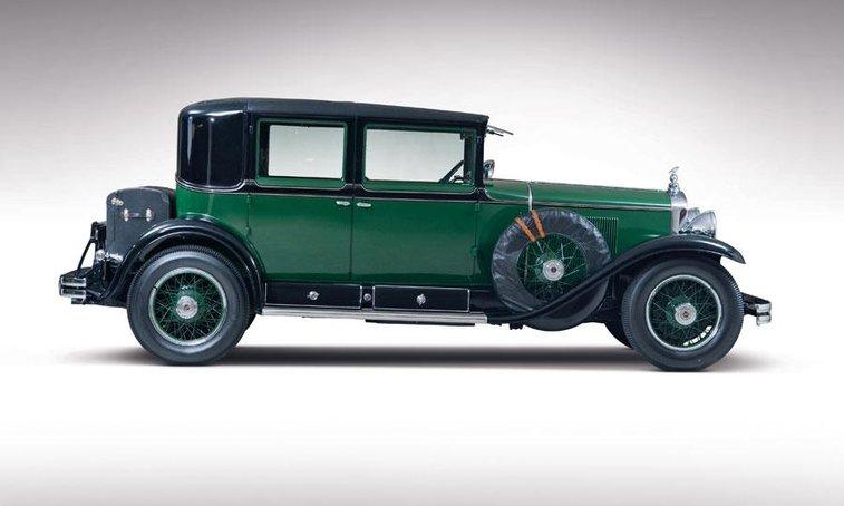 Al Capone's Cadillac V8 set for auction - Autoweek