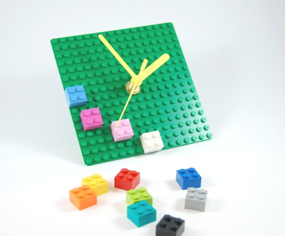 LEGO Plate clock with colorful bricks fun by ChocolateMintCrafts