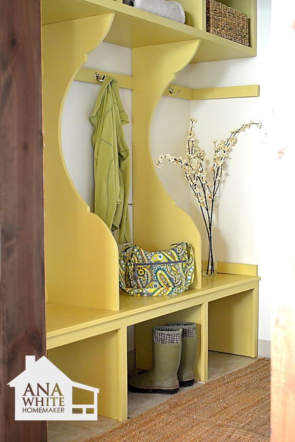 Ana White   Build a Smiling Mudroom   Free and Easy DIY Project and Furniture Plans