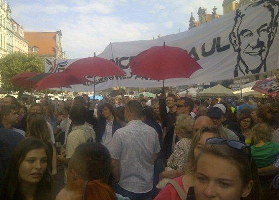 Paulians Try To Rain on Romney's Polish Parade «  LewRockwell.com Blog