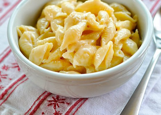 How to Make Creamy Macaroni and Cheese on the Stovetop