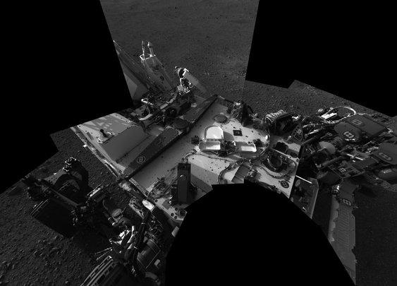 Curiosity mars rover self-portrait