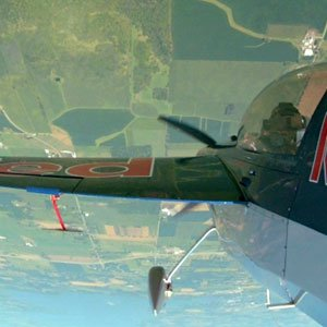 Red Bull Racer Kirby Chambliss - Inside a Head-Scrambling, Upside-Down-Flying Stunt Plane - Popular Mechanics