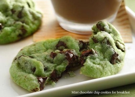 Mint Chocolate Chip Cookies for Breakfast