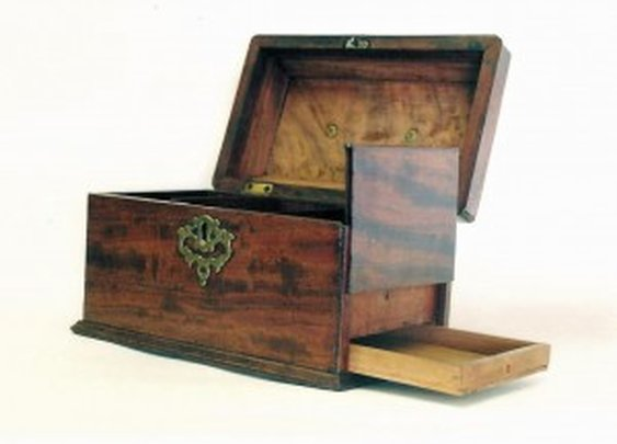 Tea Caddy with Secret Drawer Compartment