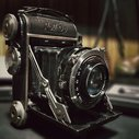 1930's Roll-Op camera