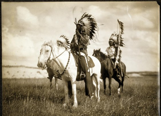 Photos: North American Indian Photographs by Edward Curtis –  - PlogPlog Photo Blog