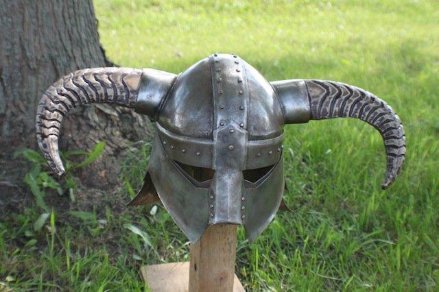 Dude Makes A Wicked Skyrim Helmet From Real Steel (video)