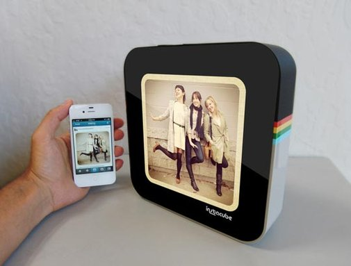 Bringing Digital Photos to Life:   New Ideas & Old Favorites  | Apartment Therapy