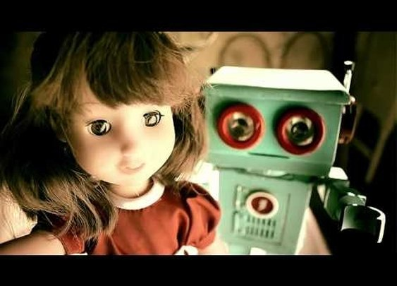 A Toy Love Story That Will Make You Cry. Video from RFRComunicacion