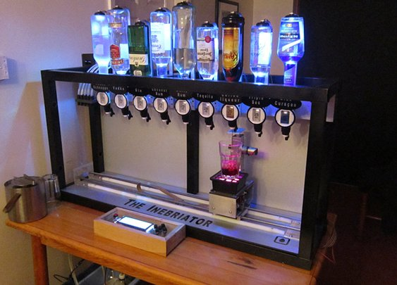 The Inebriator Robot Bartender Silently Mixes Drinks, Asks for No Tips (video)