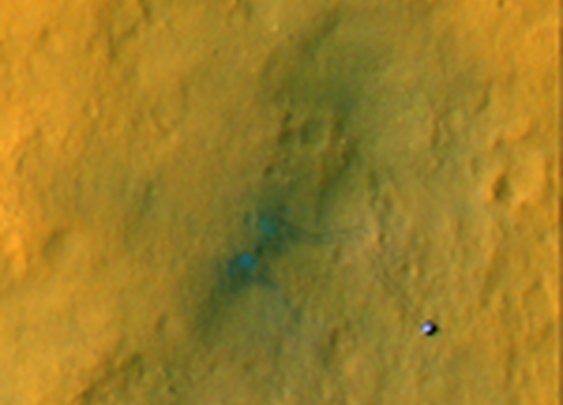 Stunning Mars Photo Shows Curiosity Rover's Tracks from Space