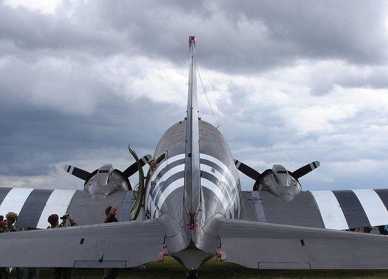 Douglas C-47 Skytrain (version? Help!)   Flickr - Photo Sharing!