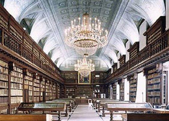 Biblioteca Di Bella Arti, Milan, Italy