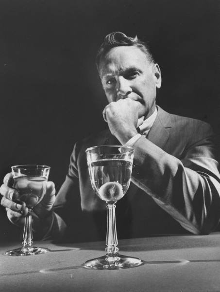 Classic Cocktails Every Man Should Know   AoM