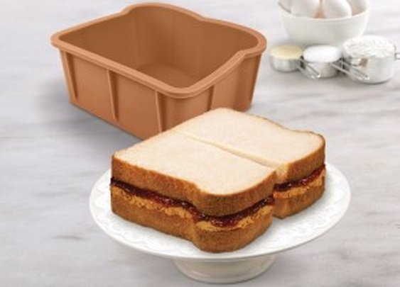 Cakewich Baking Mold: Have A Sandwich For Desert | NomNomGadgets.com