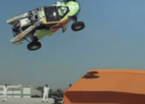 Hot Wheels sets a real-life record for a corkscrew jump in a car | Motoramic - Yahoo! Autos