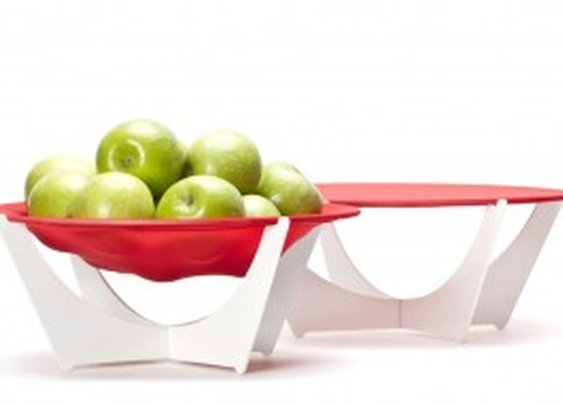 Stretchy Bowl: Saves space and looks good | NomNomGadgets.com