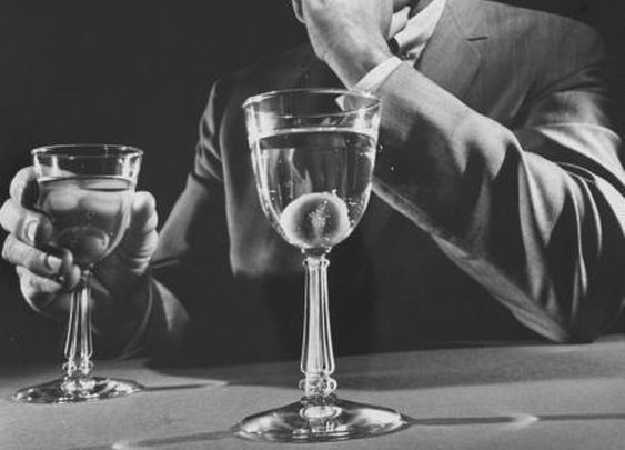Creating Classic Cocktails | The Art of Manliness