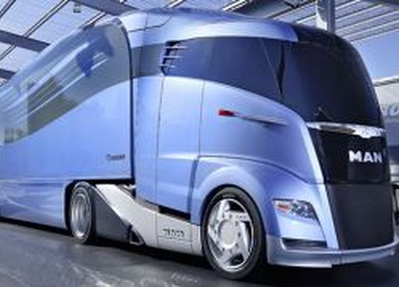 MAN unveils super-streamlined semi truck.