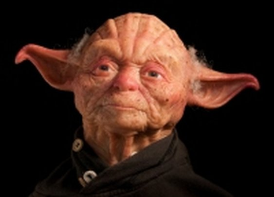 A Detailed & Humanesque Star Wars Sculpture of Jedi Master Yoda « SciFi TAKEOVER
