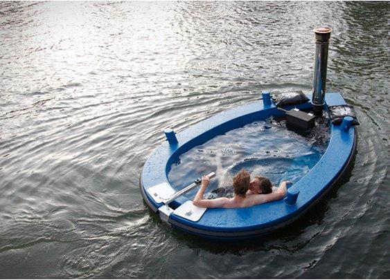 HotTug- Jacuzzi Boat.