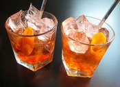 What Are the Best Drinks to Mix with Bourbon?