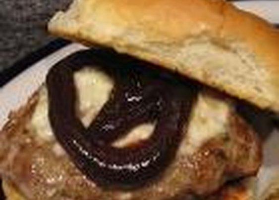BBQ Mozzarella Burgers