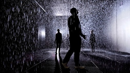 """""""Rain Room"""" Lets Visitors Stay Dry While Passing Through A Downpour"""