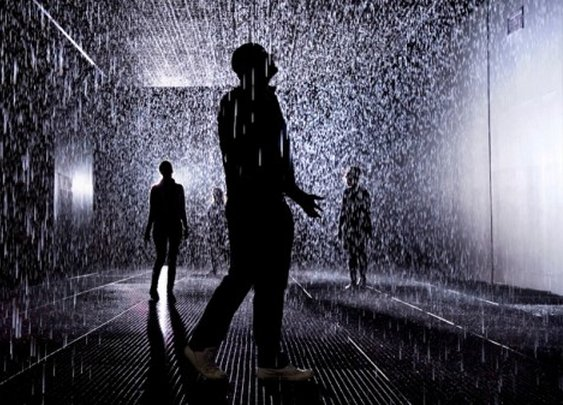 """Rain Room"" Lets Visitors Stay Dry While Passing Through A Downpour"