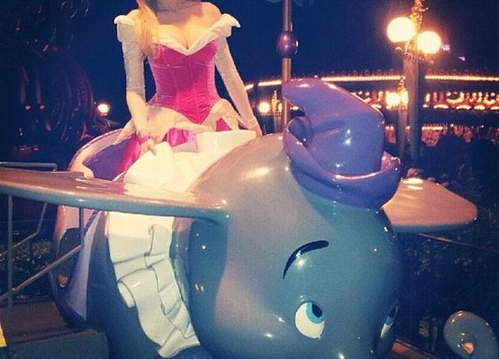 Disney / Photo by hollymadison - We were in line right behind her at Dland! We asked her to post this pic and she did!