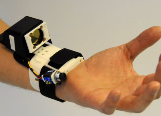 Microsoft Research shows off gloveless hand tracking device