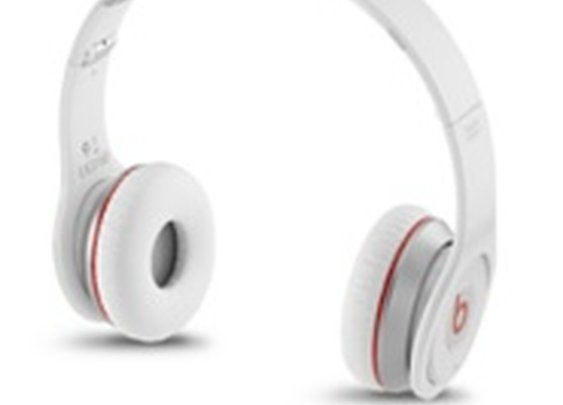 Beats Wireless Over-Ear Headphones  - Apple Store  (U.S.)