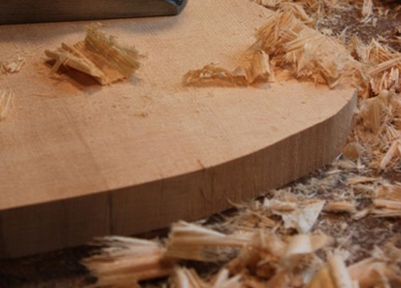 So You Want My Job: Luthier (Guitar Maker)   The Art of Manliness