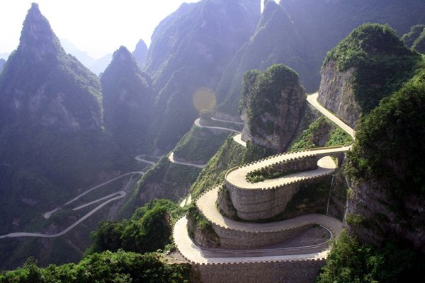 The Most Dangerous Road in China - Heaven-Linking Avenue