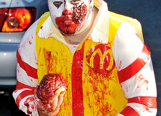 10 awesome food inspired Halloween costumes