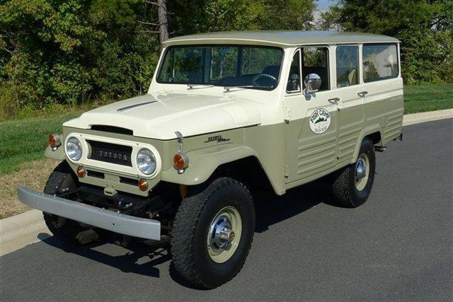 1967 Toyota Land CruiserFJ45 | Moldy Chum
