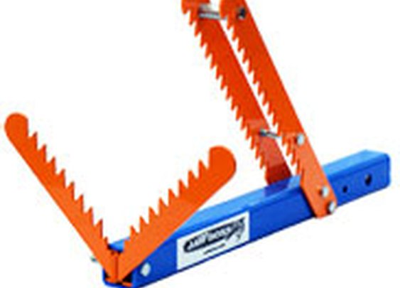 Jawboss lets you cut wood easily!