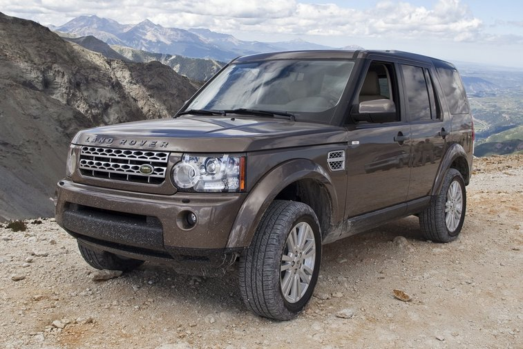 2013 Land Rover LR4: New Car Review - AutoTrader.com