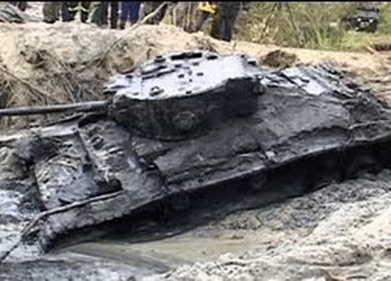 Rare WWII tank emerges from mud in Poland - YouTube