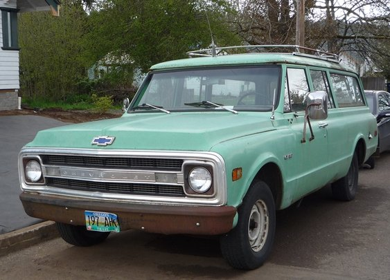 1970 Chevrolet Suburban | The Truth About Cars